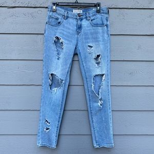 BULLHEAD distressed skinny jeans